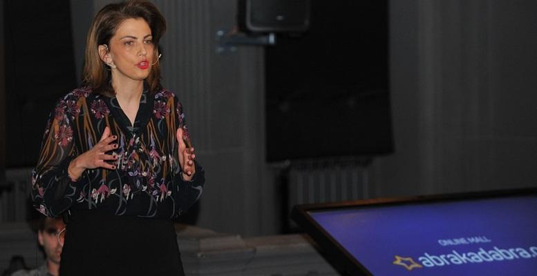 Anita Lacmanovic_00
