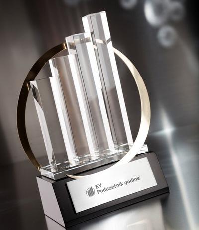 ey-poduzetnik-godine_nacionalni-trofej