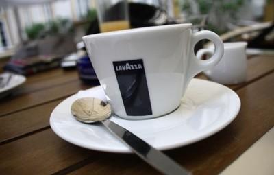 Kava-Lavazza-midi