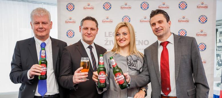 M. Brbic, P. Bermanec, B. Slaveska i A. Basic - Karlovaƒko Hajduk 1911 pivo