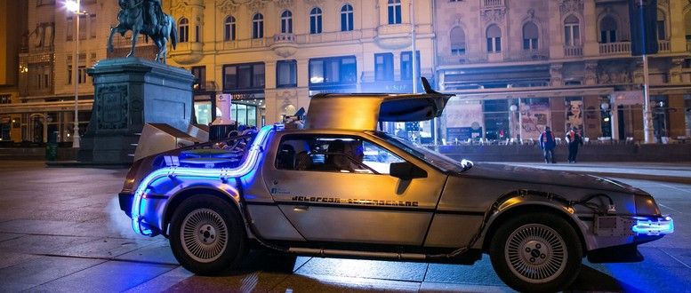 Najpoznatiji automobil iz buducnosti stigao na glavni zagrebacki trg