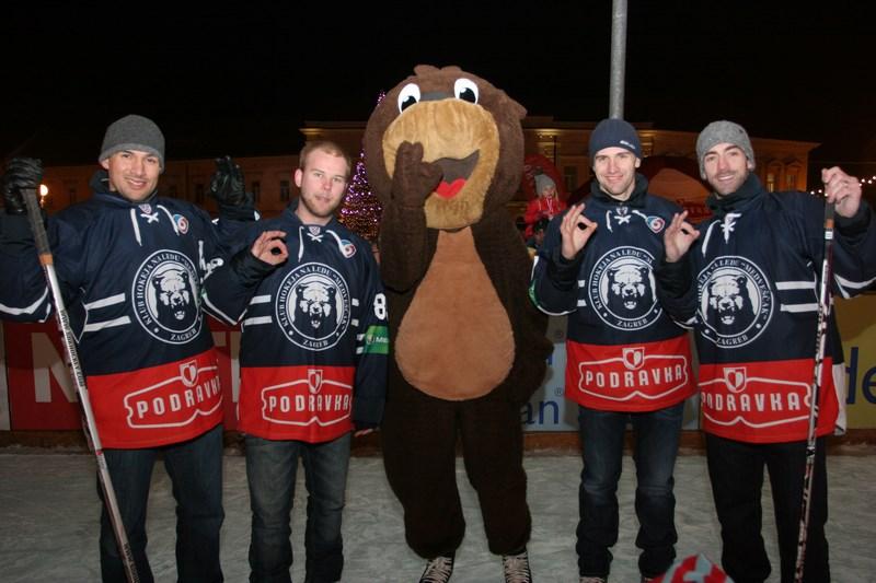 Podravka i hokejaši Medveščaka otvorili koprivničko klizalište 001