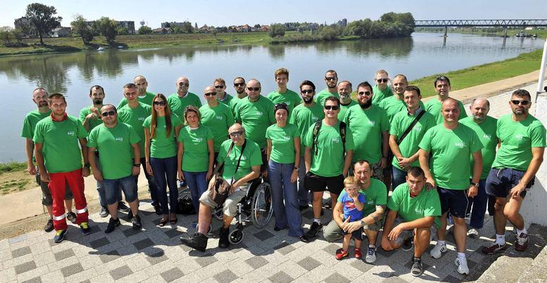 U okviru projekta Lijepa nasa Sava organiziraju se ekoloske akcije ciscenja rijeke Save