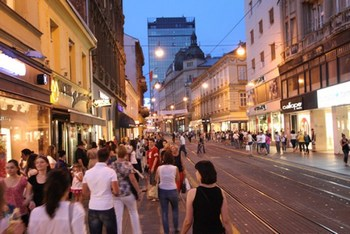 best-shop-shopping-night-zagreb-midi