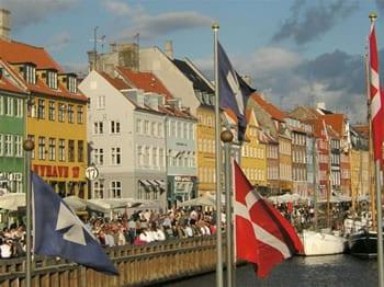 danska-zastava-midi