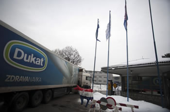dukat-kamion-prosvjed-mljekara-midi