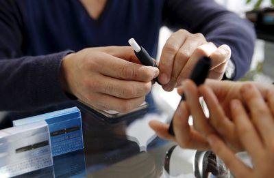 e-cigareta-midi