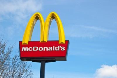 mcdonalds- znak-midi