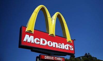 mcdonalds-znak-midi