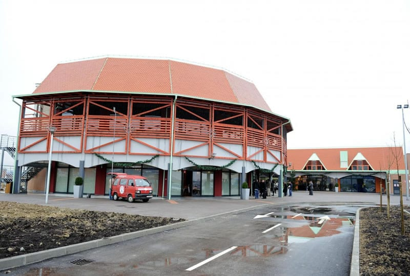 outlet-sveta-helena-zgrada-large
