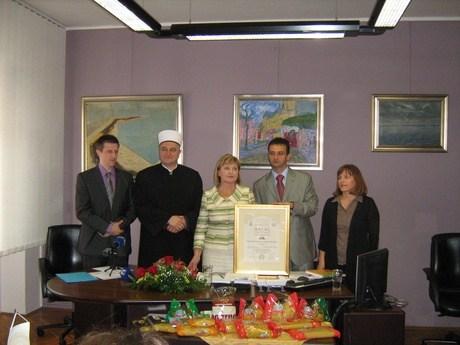 pik-rijeka-halal-certifikan-lipanj-2012-midi
