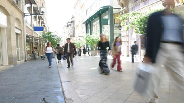 potrosaci-ulica-large