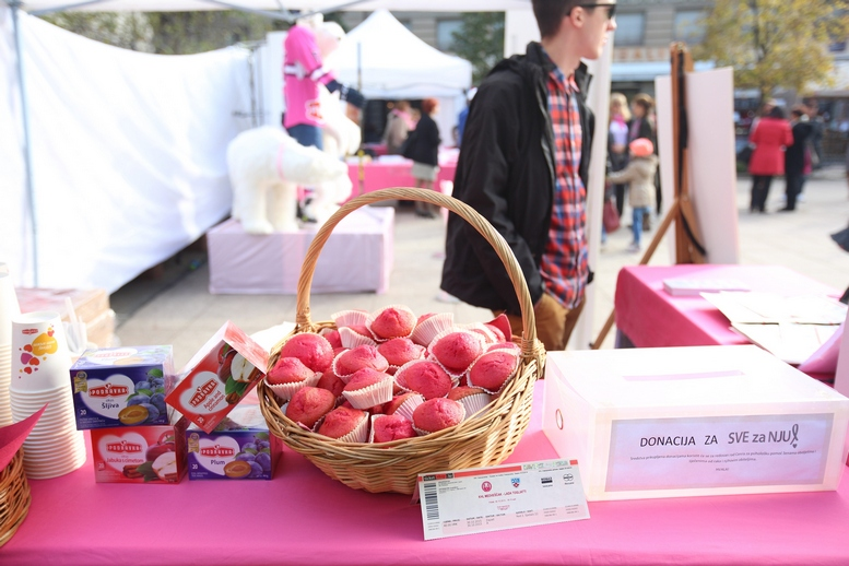 ruzivasti muffini - medunarodni dan protiv raka dojke