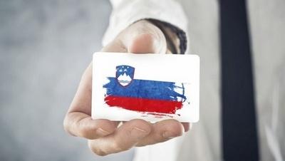 slovenija-izvoz-zastava-midi