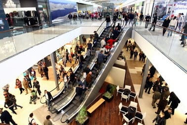 trgovacki-centar-supernova-zadar-posjetitelji-midi