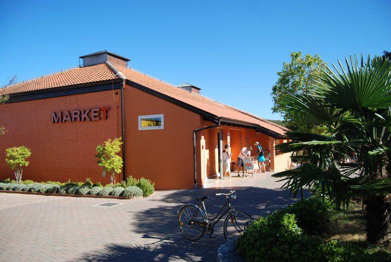 valalta-rovinj-market