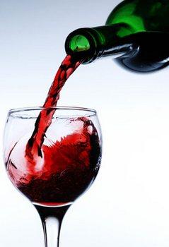 vino-sipanje-midi